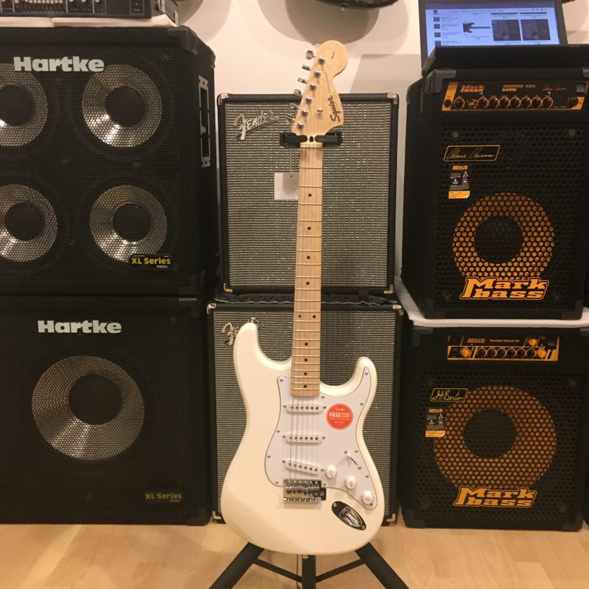 Squier Stratocaster Affinity FSR White